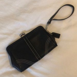 Leather COACH wristlet in perfect condition